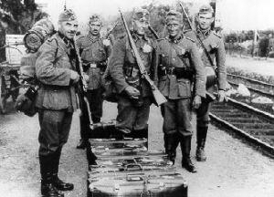 Soldados alemanes armados con carabinas mauser K98
