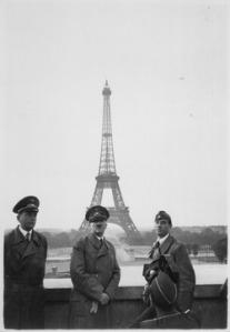 lossy-page1-250px-Der_Fhrer_in_Paris._Hitler_in_Paris._Heinrich_Hoffman_Collection._-_NARA_-_540180.tif