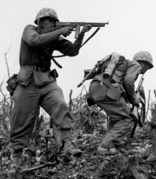 2ª GUERRA MUNDIAL: Sin duda en este conflicto tuvo su mayor participación; era muy apreciado por los soldados, ya que tenía un alto poder de fuego y de detención. Tiempo más tarde se usaría en Corea.