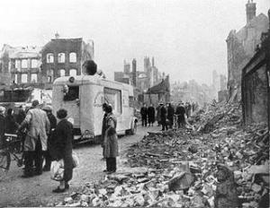 Casas destruidas por los bombarderos alemanes.