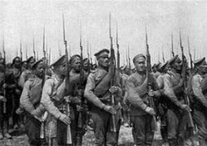 Infantería rusa durante la 1ª Guerra Mundial armados con Nagant.