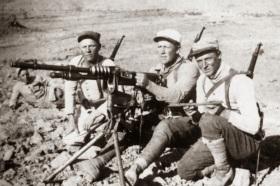 Legionarios franceses con una Hotchkiss M1914 en Marruecos.