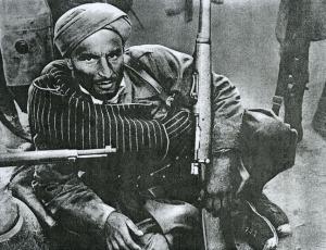 Soldado regular durante la Guerra Civil Española armado con un fusil mauser M1916.