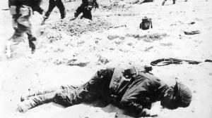 Soldado estadounidense muerto en el desembarco.