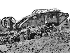 240px-British_Mark_I_male_tank_Somme_25_September_1916