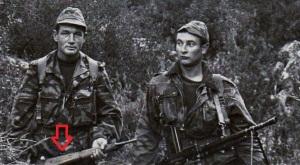 Soldados franceses en Inmdochina, uno de ellos porta un MAS49