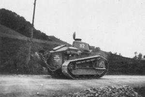 Renault Ft17 capturado por los alemanes durante la 2ª Guerra Mundial.