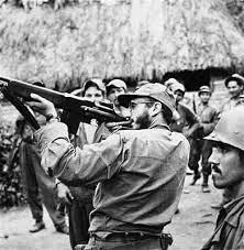 Castro con un fusil BAR.