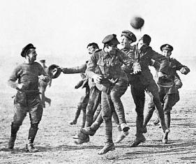 Guerra y fútbol