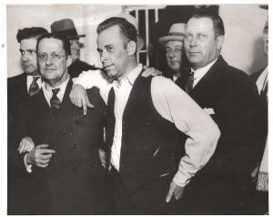 Dillinger antes de comenzar el jucio