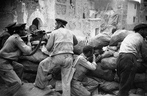 Milicianos defendiendo Belchite