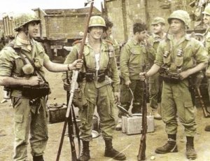 Paracaidistas españoles