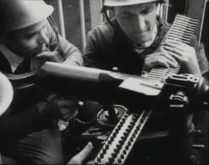Soldado sublevado con una ametralladora Hotchkiss