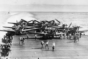 Portaaviones norteamericano en Midway.