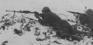 Soldados italianos en el frente ruso con una Breda M30.