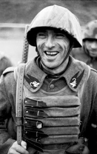 """En 1945 se fabricó un porta-cargadores llamado """"Samurái"""" por el parecido con la armadura de estos guerreros."""