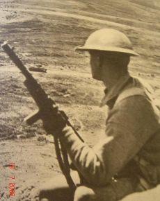 Soldado ingles Beretta M1938