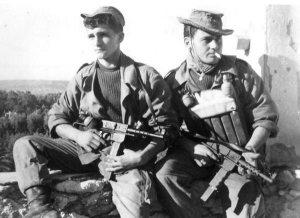 comandos franceses en Argelia armados con MAT-49.