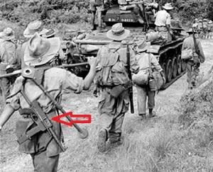 Soldados franceses en Indochina. Uno de ellos porta un MAT-49. En este territorio los franceses lucharon contra los nacionalistas que ostentaban a la independencia.