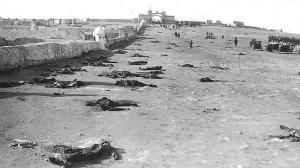 España reconquista las posiciones tiempo más tarde encontrando los cuerpos de los soldados españoles sin enterrar.