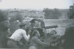 Guardia de asalto republicanos con una Maxim M1910 durante la Batalla de Belchite.