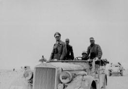 Rommel en África. En este teatro se desarrolló su grandes batallas y derrotas.