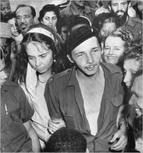 Vilma Espín y Raúl Castro el día de su boda.