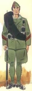 (2) Legionario en uniforme de campaña en invierno. 1936-37