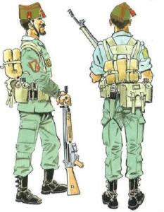 (3) Legionarios en Traje de Marcha. Verano e Invierno.
