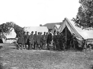 Lincoln_and_generals_at_Antietam